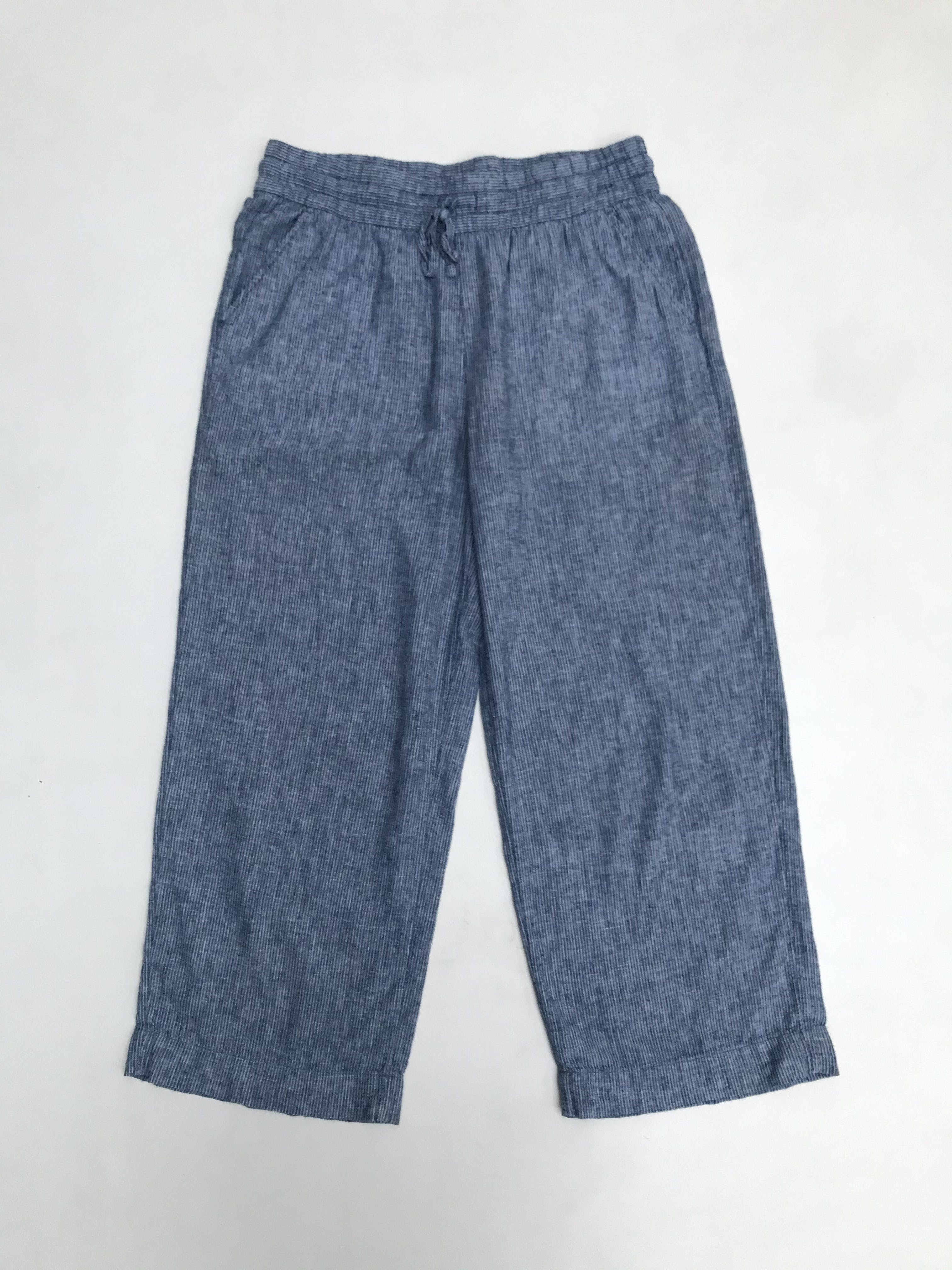 Pantalón H&M tipo culotte, 55% lino 45% algodón, azul con líneas blancas, pierna ancha al tobillo, bolsillos laterales y pretina regulable