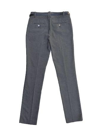 Pantalón Calvin Klein negro con puntos blancos, corte slim, bolsillos laterales y viene con correa de regalo. Precio original S/ 280 foto 3