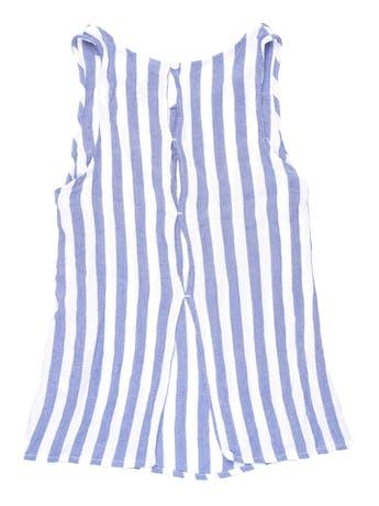 Blusa H&M a rayas blancas y azules, tela texturada, aberturas en la espalda. Busto 84cm foto 2