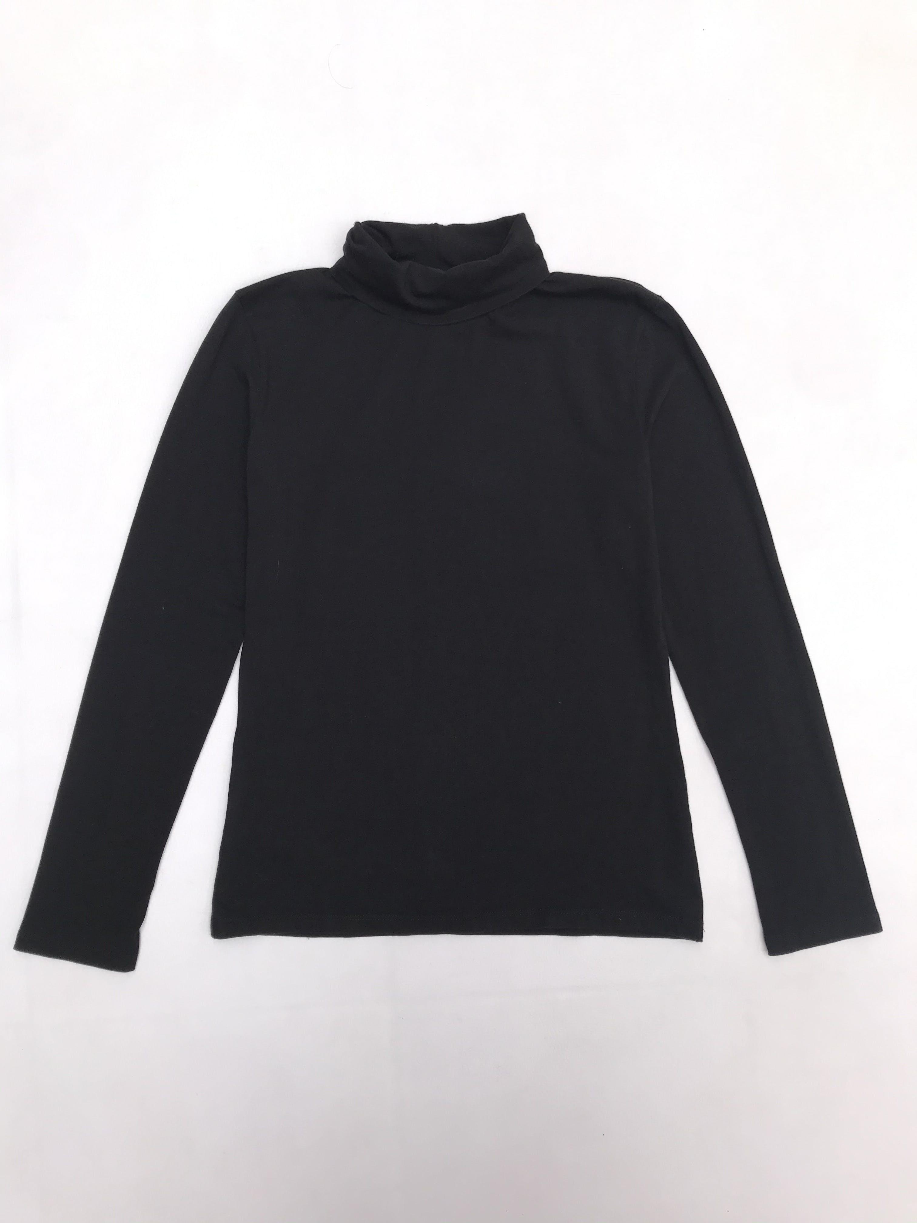 Polo negro cuello tortuga de algodón con spandex