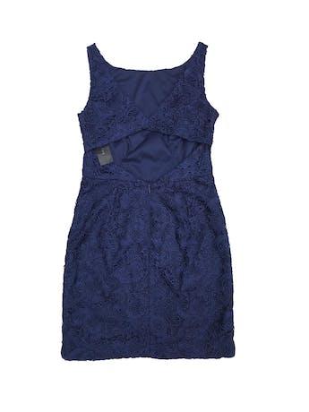 Vestido de encaje azul, forrado, con cierre y escote en la espalda. Nuevo con etiqueta. Precio original S/ 500 foto 2