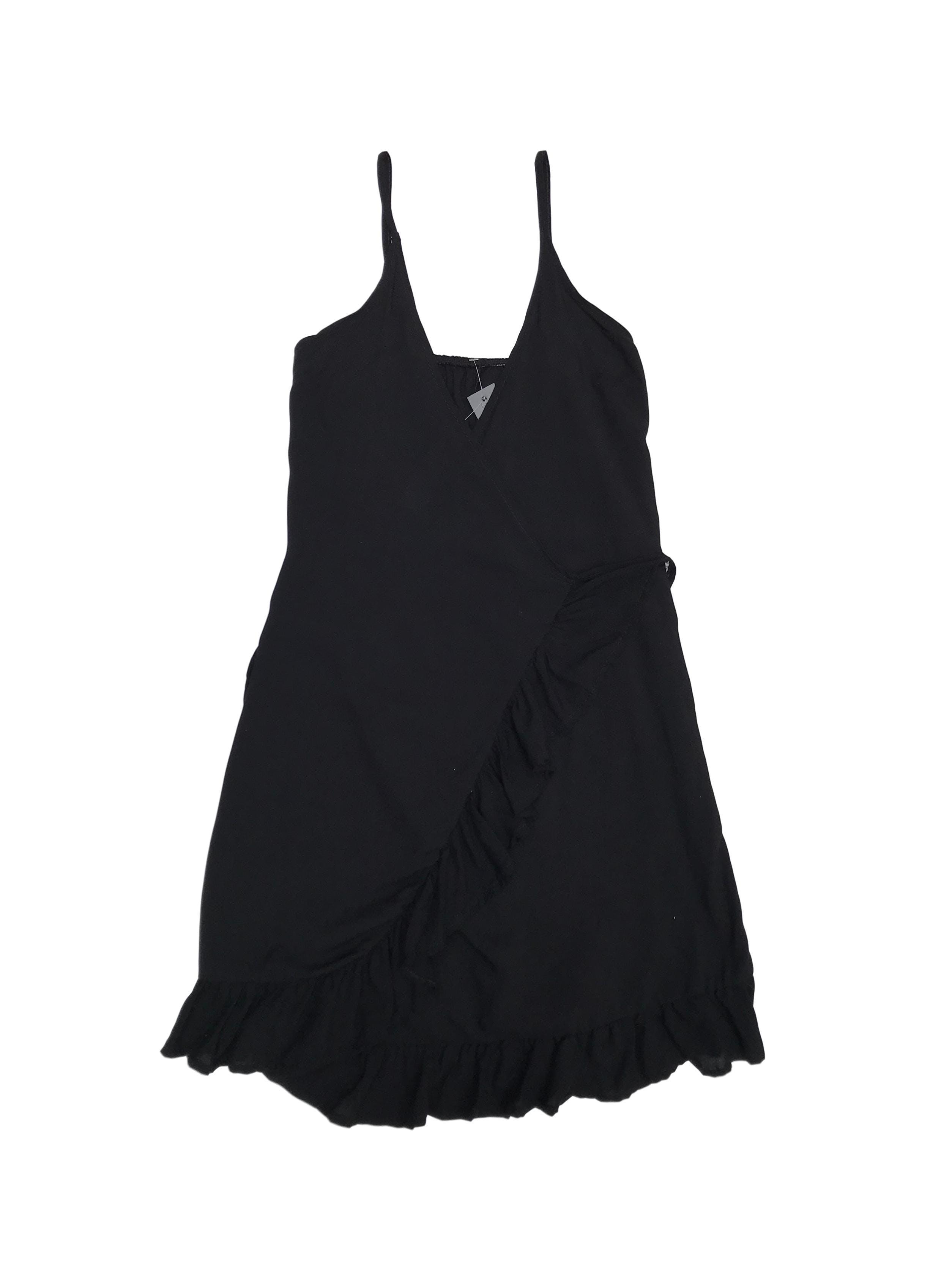 Vestido Epiphany playero negro envolvente con volante en la basta. Nuevo con etiqueta. Precio original S/ 80