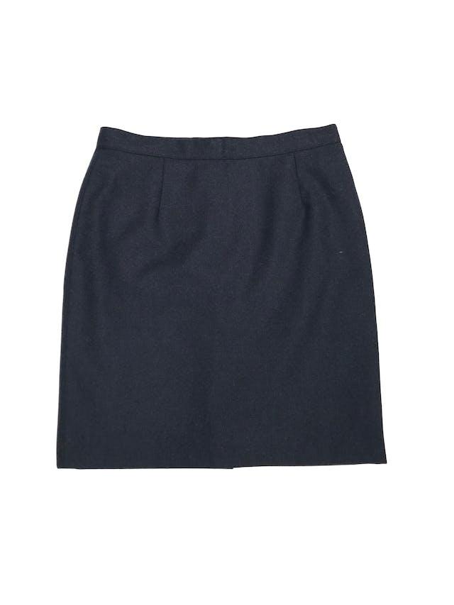 Falda azul de paño, forrada, con cierre y botón posterior. Cintura 74cm Largo 49cm foto 1