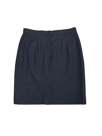 Falda azul de paño, forrada, con cierre y botón posterior. Cintura 74cm Largo 49cm foto 2
