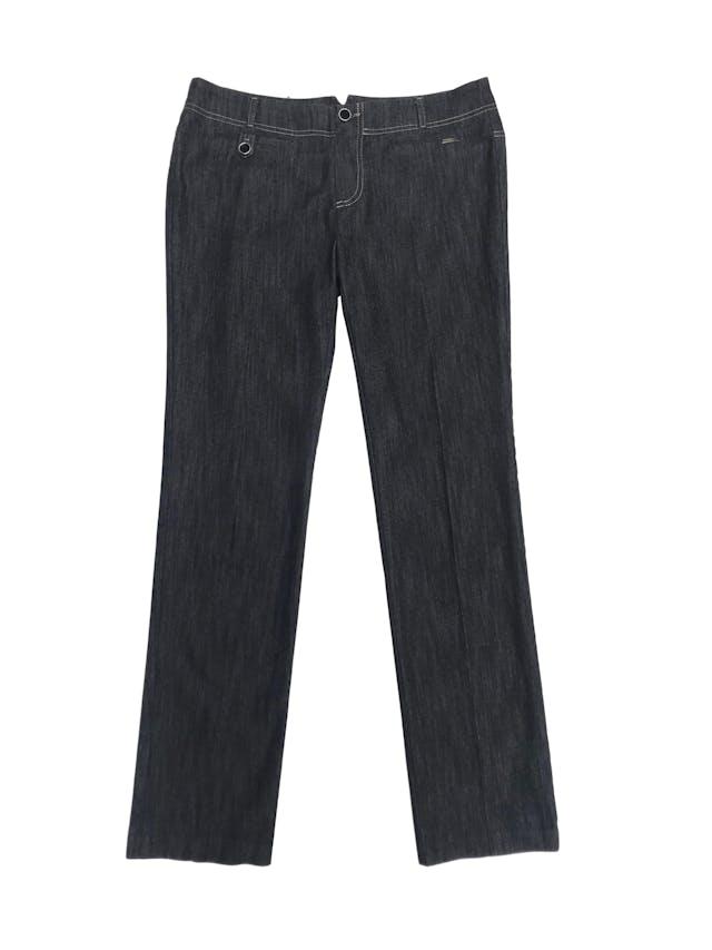 Pantalón jean Marquis grafito con pespuntes crema, corte recto, tiro medio foto 1