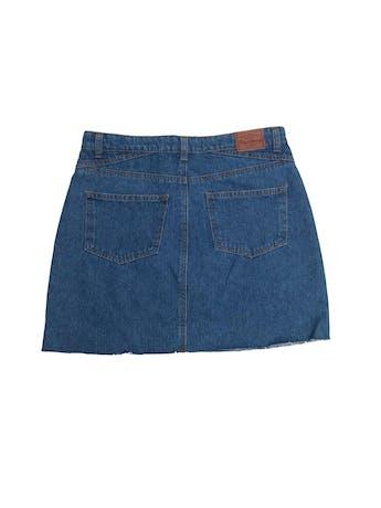 Falda denim Pepe Jeans 100% algodón con abertura y desflecado en la basta. Nueva con etiqueta, precio original S/ 130. Pretina 80cm Largo 42cm foto 2
