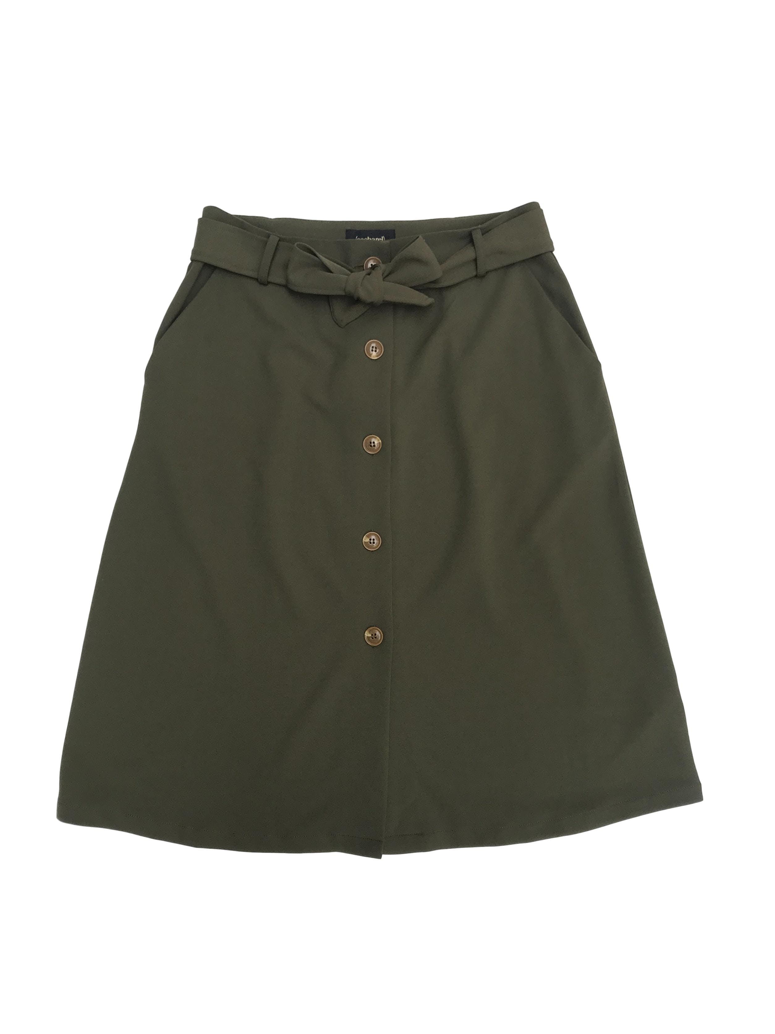 Falda midi Cacharel verde olivo con botones delanteros y cinto, bolsillos laterales y corte en A. Nueva con etiqueta, precio original S/ 100. Cintura 78cm Largo 67cm