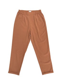 Pantalón Sybilla camel con pretina elástica a la cintura y dobladillo en la basta. Cintura hasta 80cm foto 1