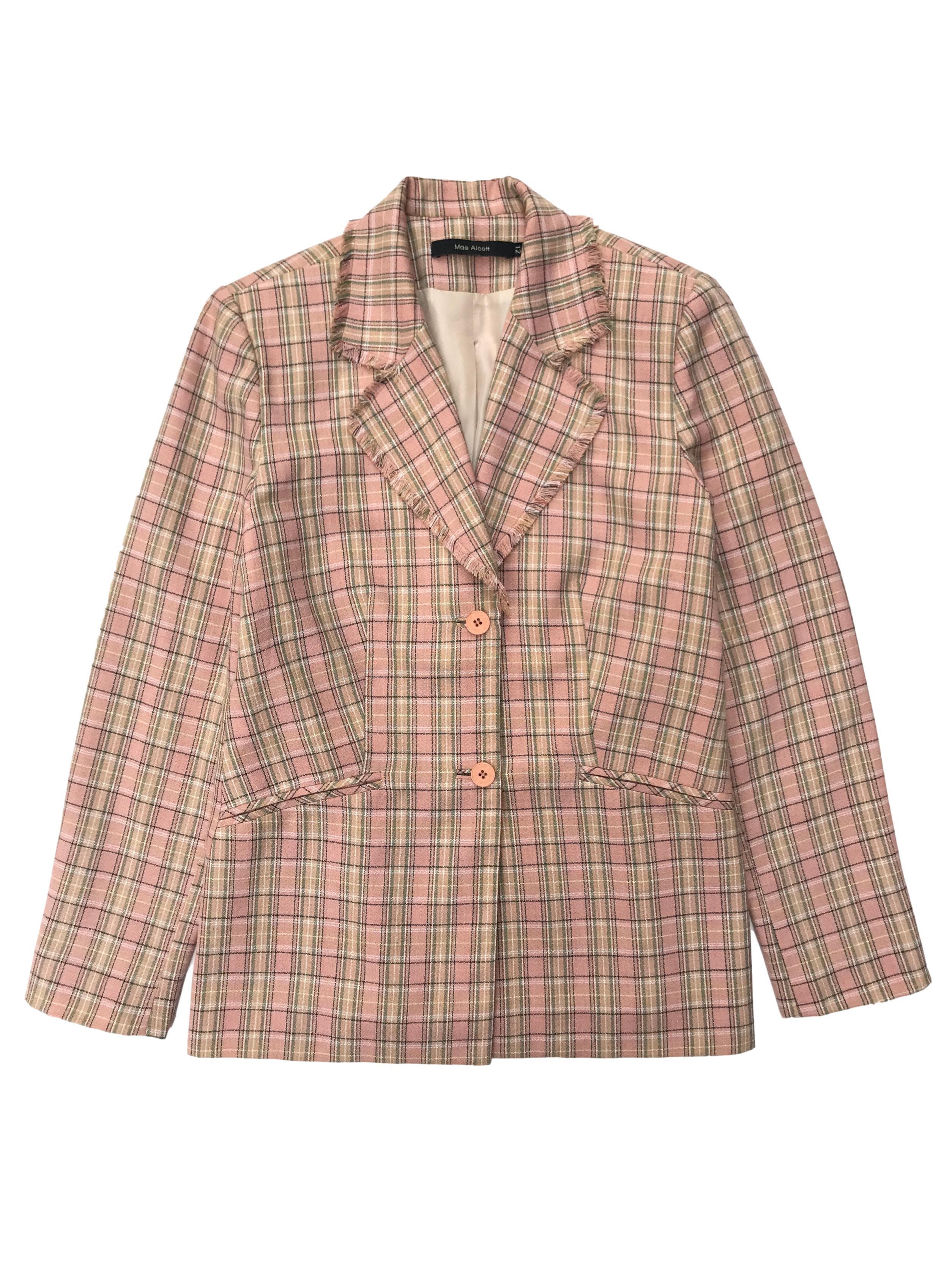 Blazer Mae Alcott palo rosa con cuadros, forrado, flecos en la solapas y dos botones. Busto 102cm Largo 66cm