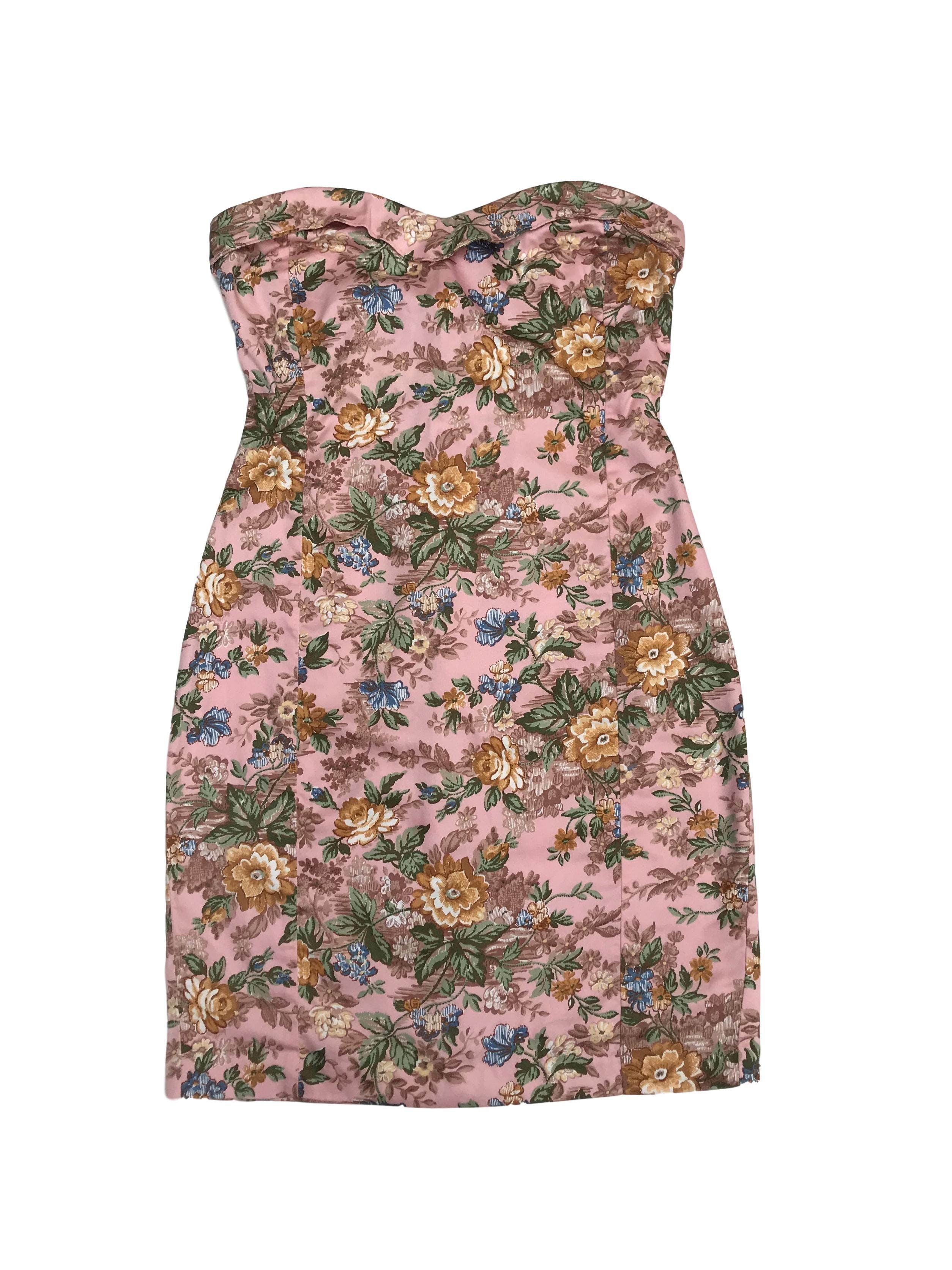 Vestido strapless Basement rosa con estampado floral 100% algodón, con cierre posterior. Busto 84cm Cintura 70cm Largo desde sisa 68cm