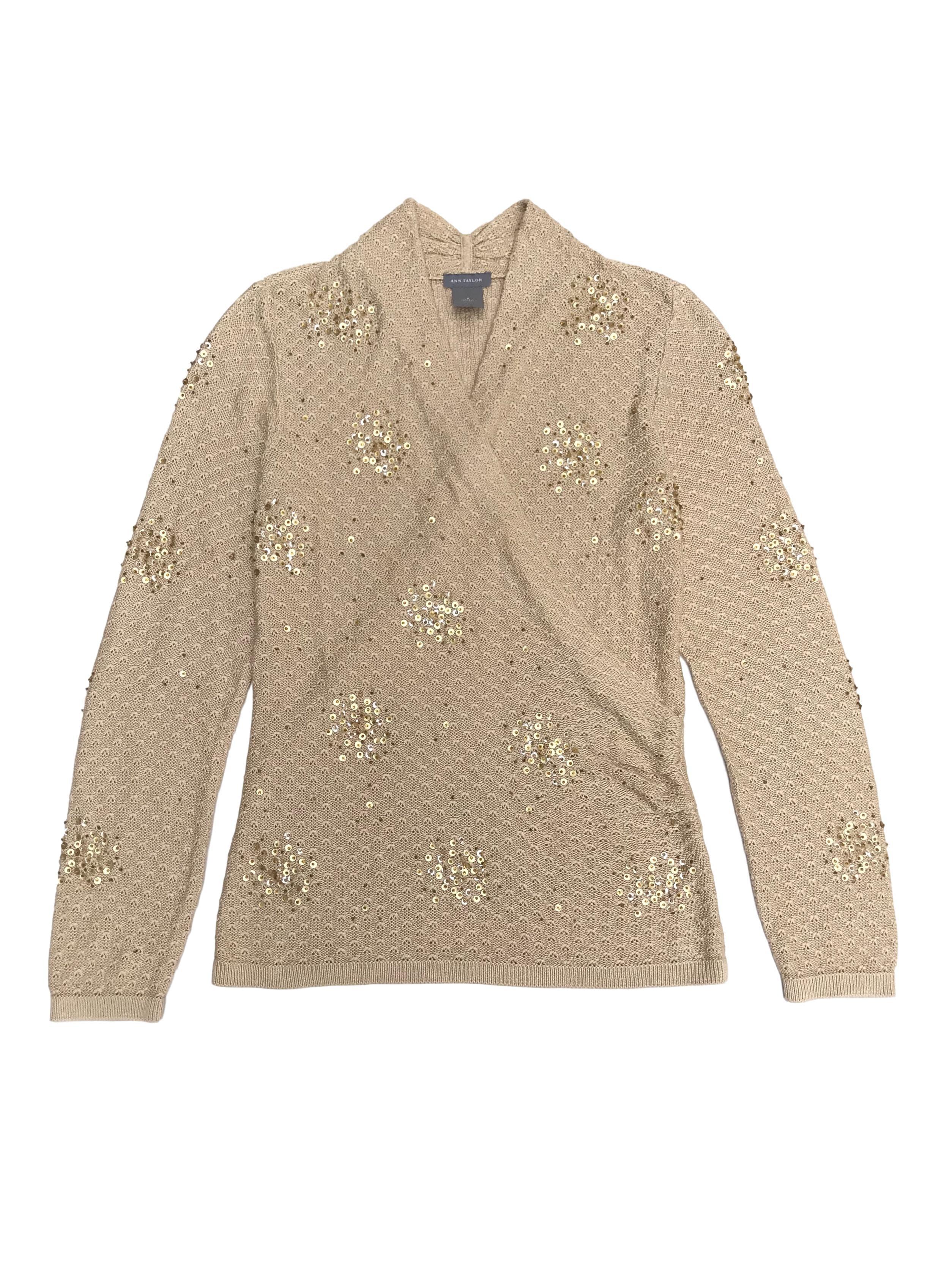 Chompita Ann Taylor beige 80% seda 20% algodón, con aplicaciones de mostacillas, delantero cruzado. Precio original S/ 380