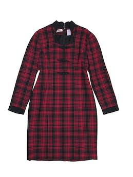 Vestido vintage a cuadros rojos y negros, forrado, con cierre en la espalda. Busto 95cm largo 94cm foto 1