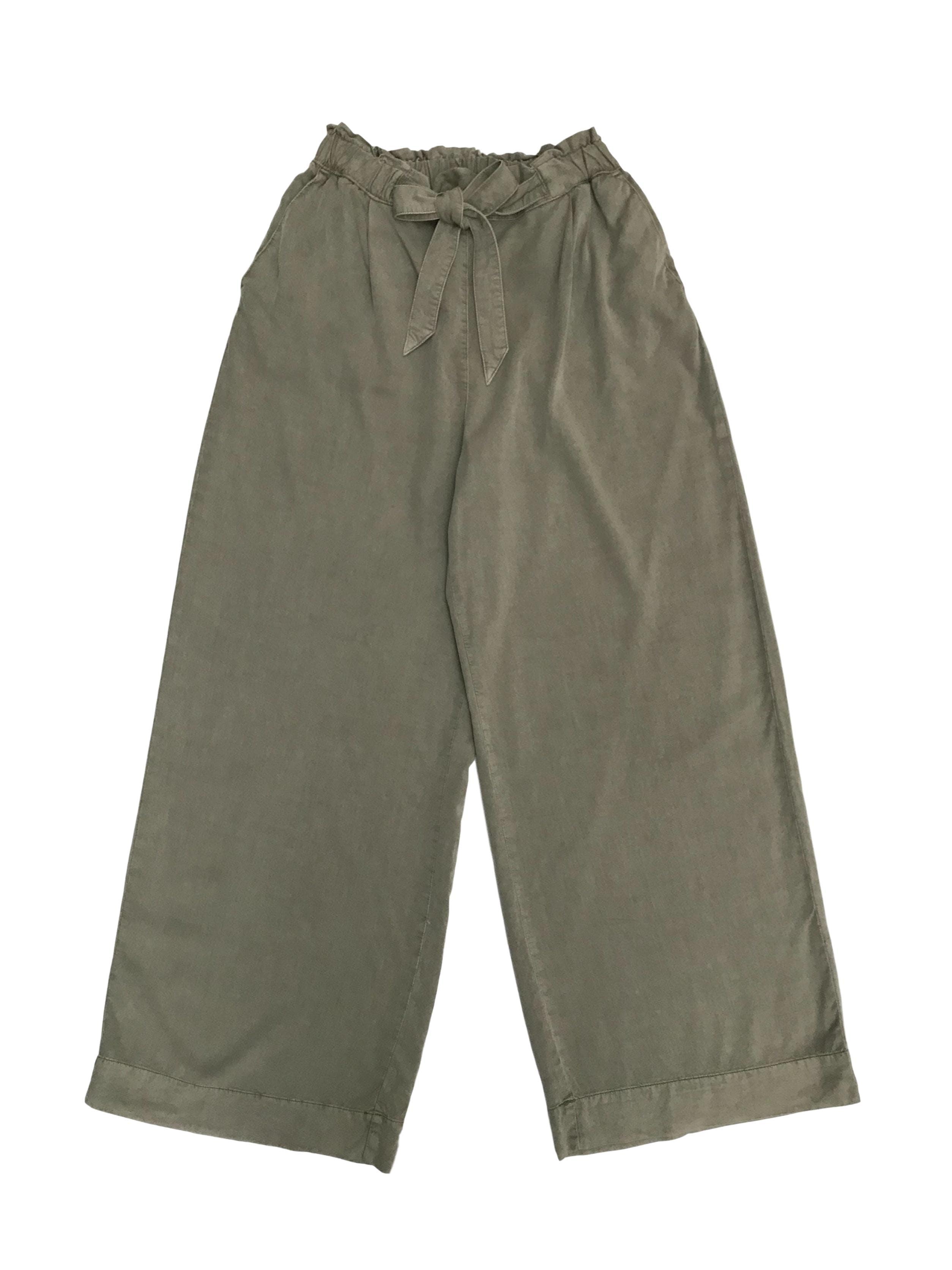 Pantalón palazzo H&M, cintura elástica con cinto y bolsillos laterales. Rico al tacto y con caída. Cintura 70cm (sin estirar). Precio original S/ 150