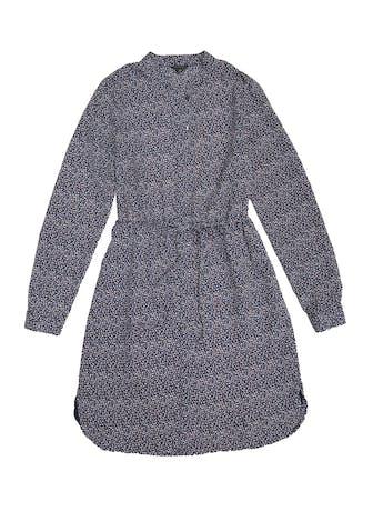 Vestido Ann Taylor azul con mini print florcitas, cuello nerú, botones a lo largo, elástico en la cintura y forro en la falda. Busto 90cm Cintura 68 (sin estirar)Largo 87cm. Precio original S/ 500 foto 1