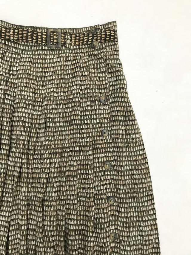 Falda larga plisada Dana Buchman 100% seda con fila de botones laterales y correa. Cintura 72cm. HERMOSA. Precio original S/ 310 foto 2