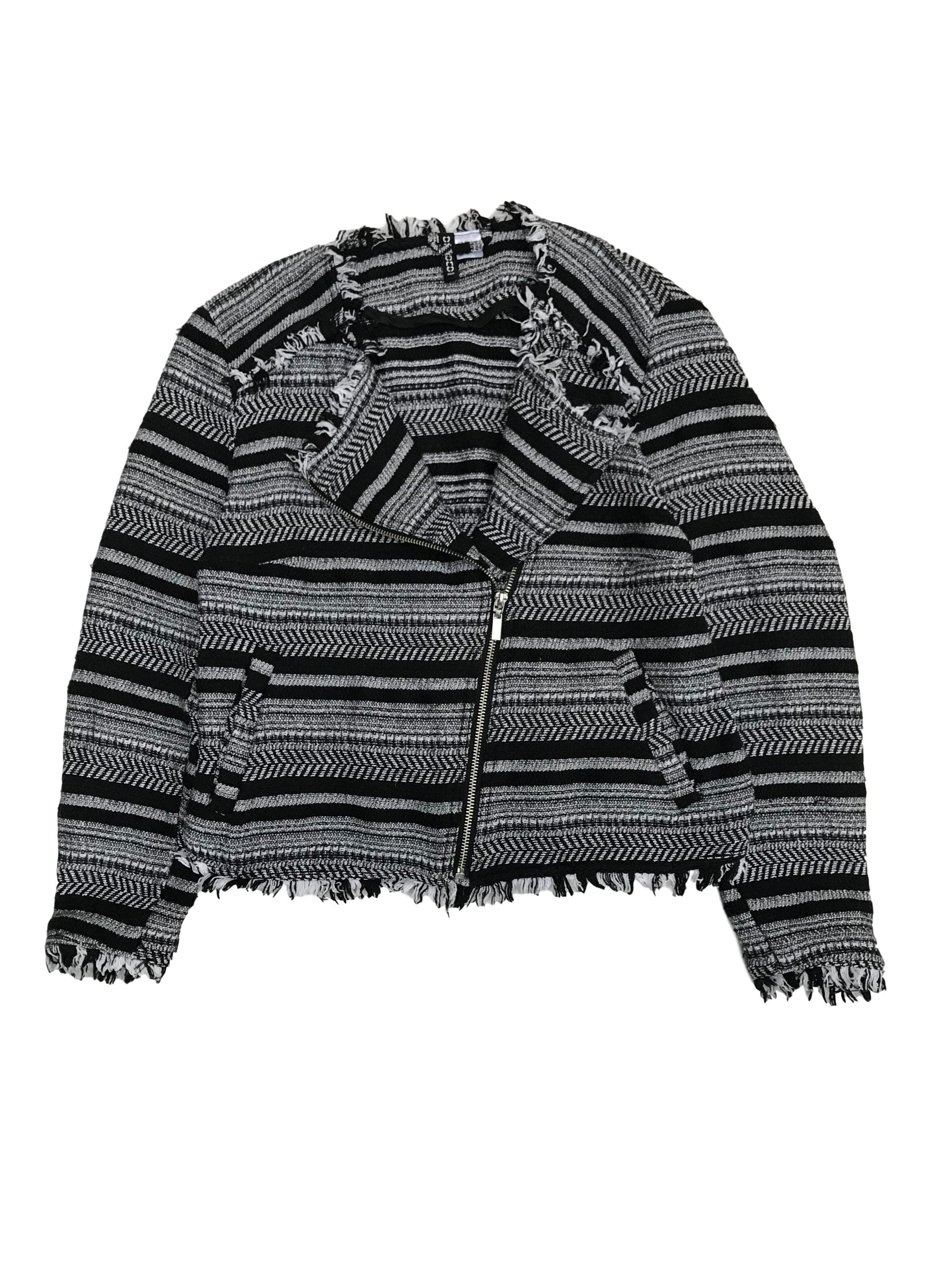 Casaca corta H&M estilo biker de 98% algodón tipo tejido con bordes desflecados