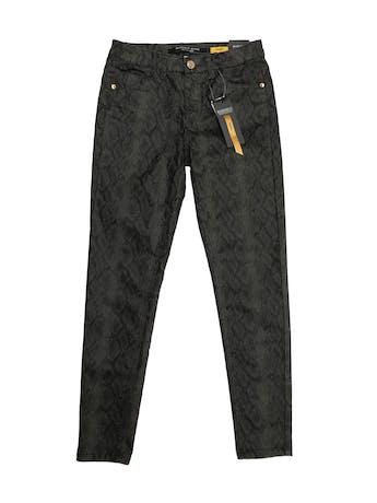 Pantalón pitillo Basement a la cintura, animal print pitón ligeramente stretch, five pockets. Cintura 68cm. Nuevo con etiqueta  foto 1