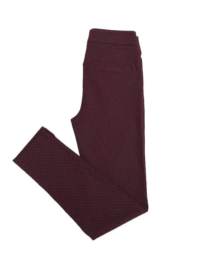Pantalón Mentha&chocolate guinda y negro, pitillo ligeramente stretch con cierre lateral. Cintura 70cm foto 2