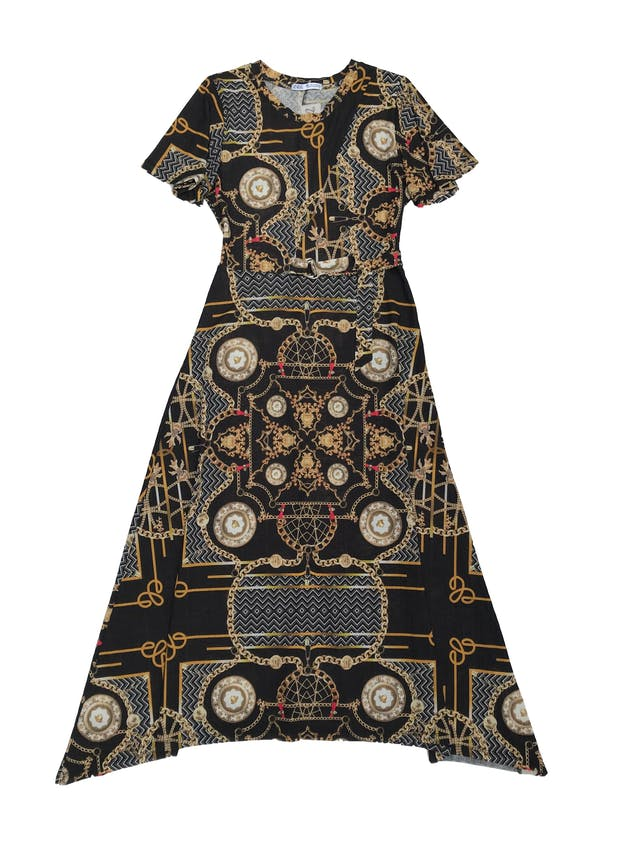 Vestido Zara midi negro con estampado cadenas, hebilla plateada en la cintura y falda en A. Busto 90 sin estirar Largo 115cm foto 1