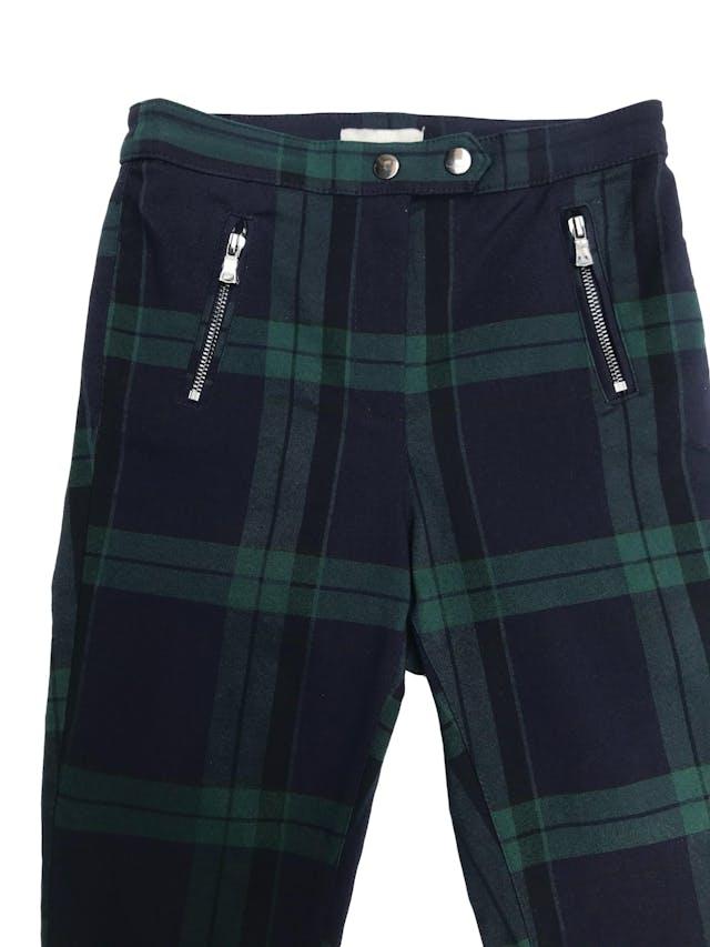 Pantalón H&M a cuadros verde y azules, corte a la cintura y pitillo stretch. Nuevo sin etiqueta. Cintura 64cm foto 2