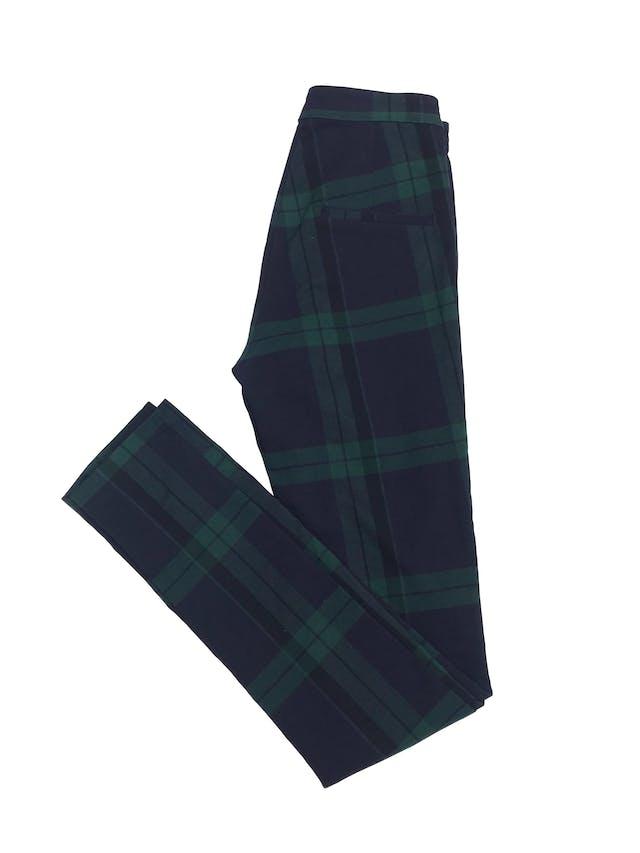 Pantalón H&M a cuadros verde y azules, corte a la cintura y pitillo stretch. Nuevo sin etiqueta. Cintura 64cm foto 3