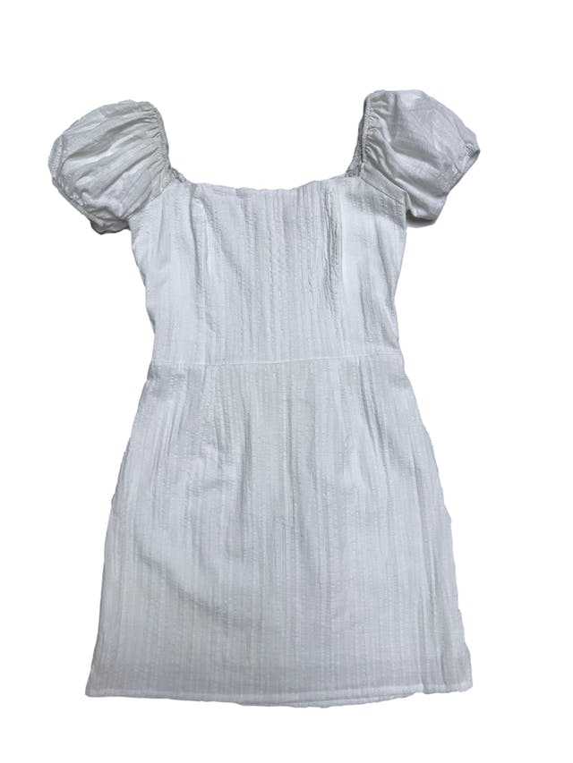 Vestido Ciao Bella crema off shoulder con manga corta abullodada, falda forrada y cierre posterior. Largo desde sisa 65cm foto 1