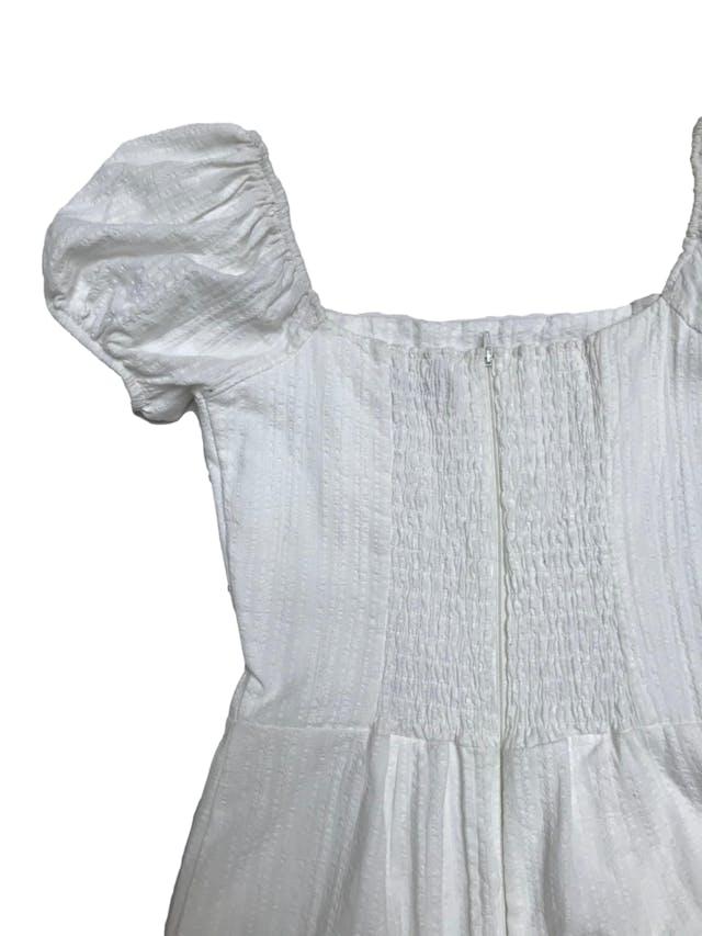 Vestido Ciao Bella crema off shoulder con manga corta abullodada, falda forrada y cierre posterior. Largo desde sisa 65cm foto 2