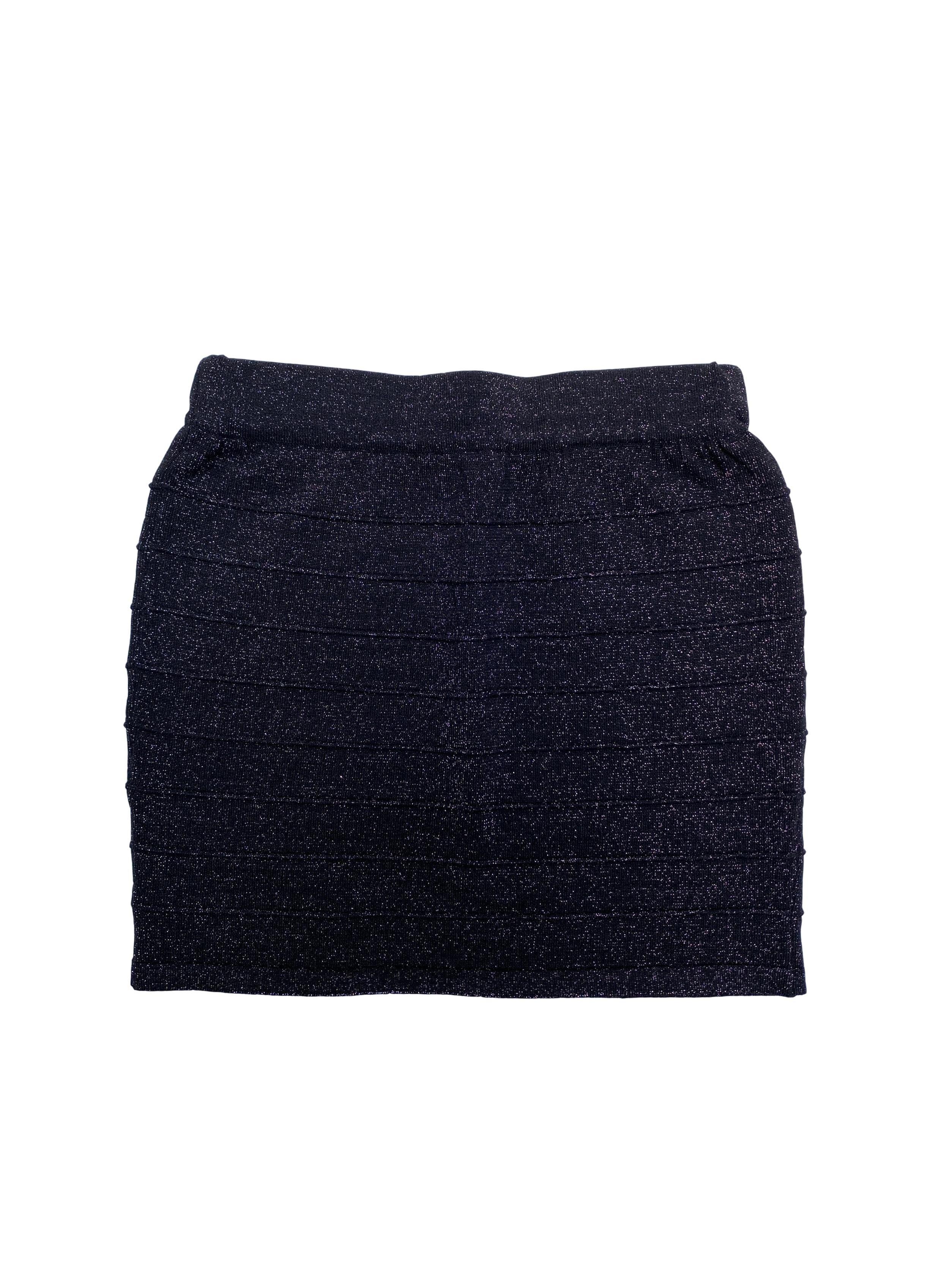 Falda de punto, hilos negros y escarchados. Cintura 66cm sin estiras Largo 40cm