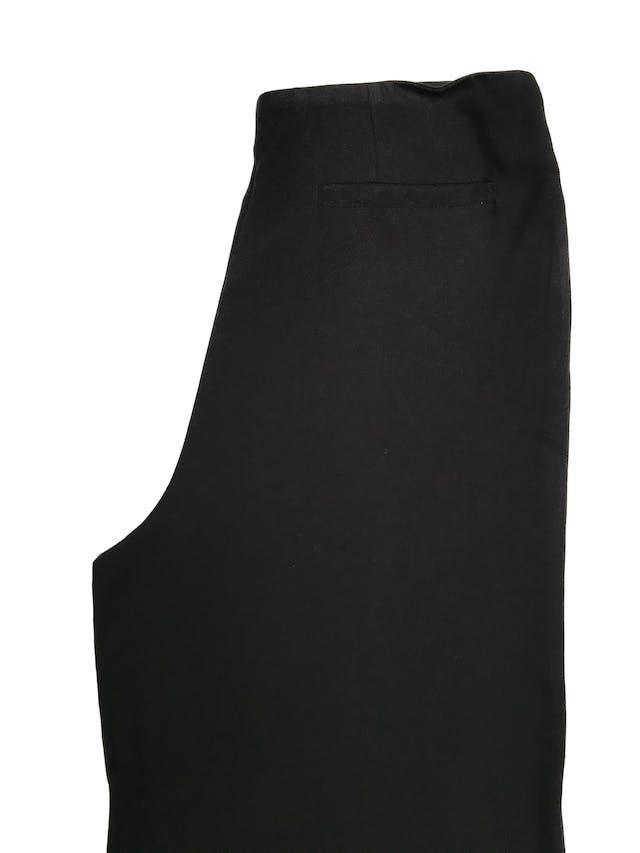 Pantalón palazzo Basement de tela fluida fresca, con cierre lateral. Cintura 76cm foto 2