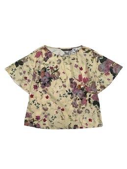 Blusa Zara 100% algodón beige con estampado de fores, manga corta con vuelo. Busto 104cm Largo 55cm foto 1
