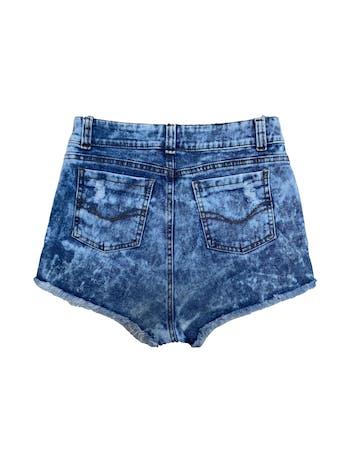 Short jean a la cintura efecto tie die, con detalles rasgados. Cintura 72cm foto 2