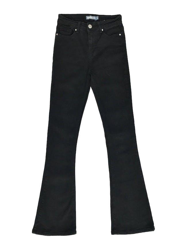 Pantalón index a la cintura, de denim negro stretch 75% algodón, 5 bolsillos, pegado con basta campana foto 1