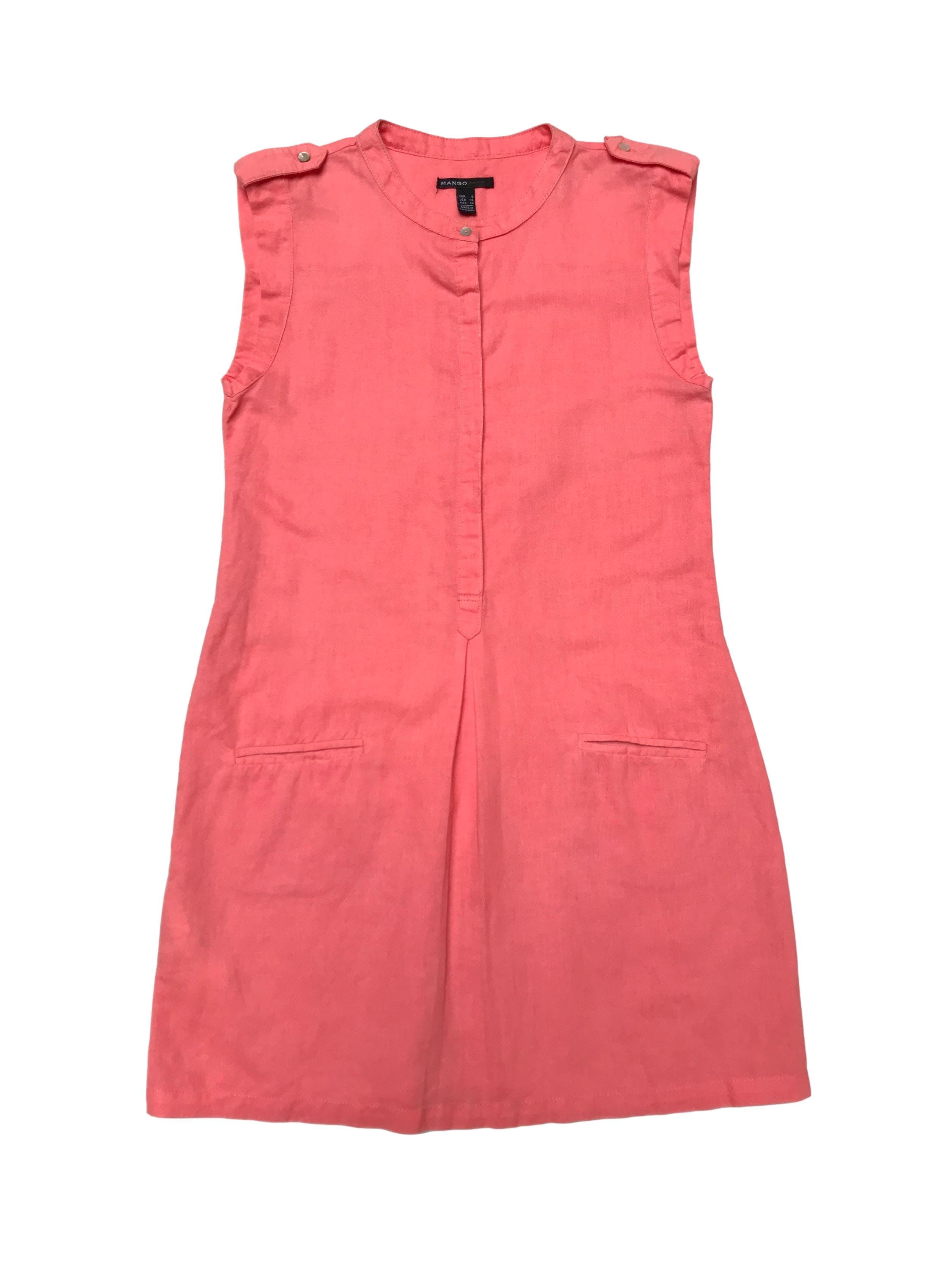 Vestido Mango 100% lino coral, botones hasta la cintura y bolsillos en la falda. Largo 85cm