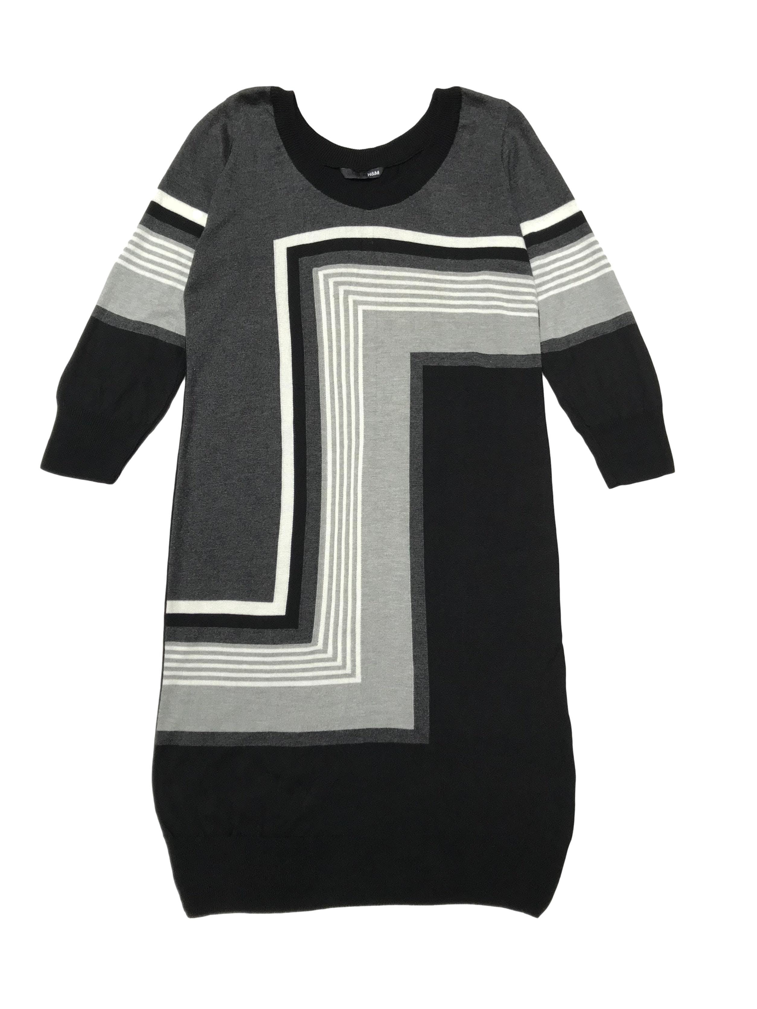 Vestido H&M de punto, negro con diseño geométrico, manga 3/4. Largo 90cm