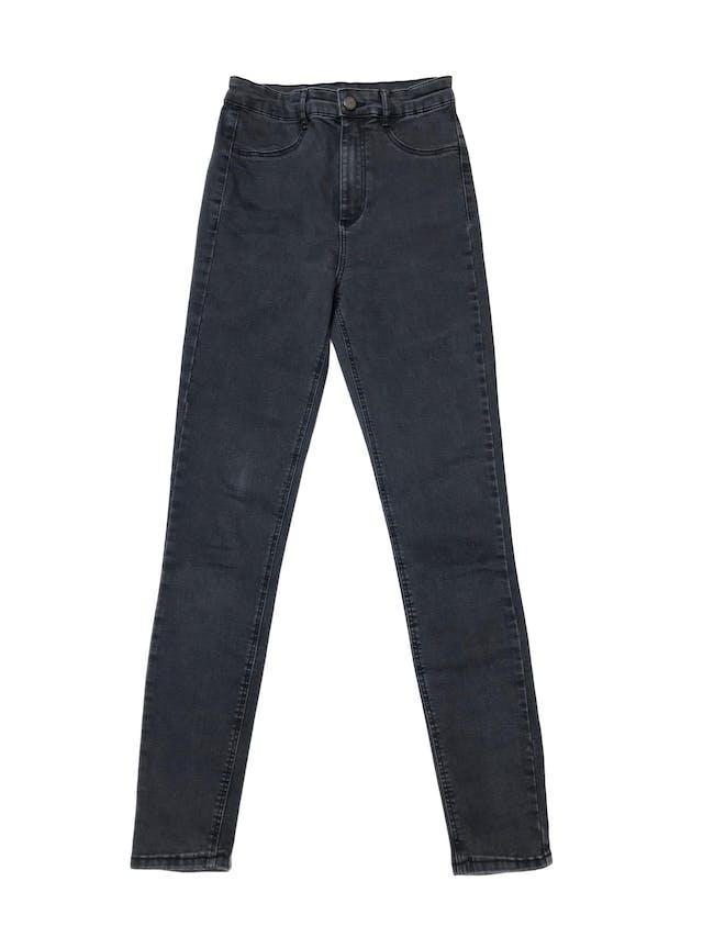 Jegging Zara a la cintura, jean gris efecto lavado stretch con cierre, botón delantero y bolsillos atrás. Cintura 62cm sin estirar foto 1