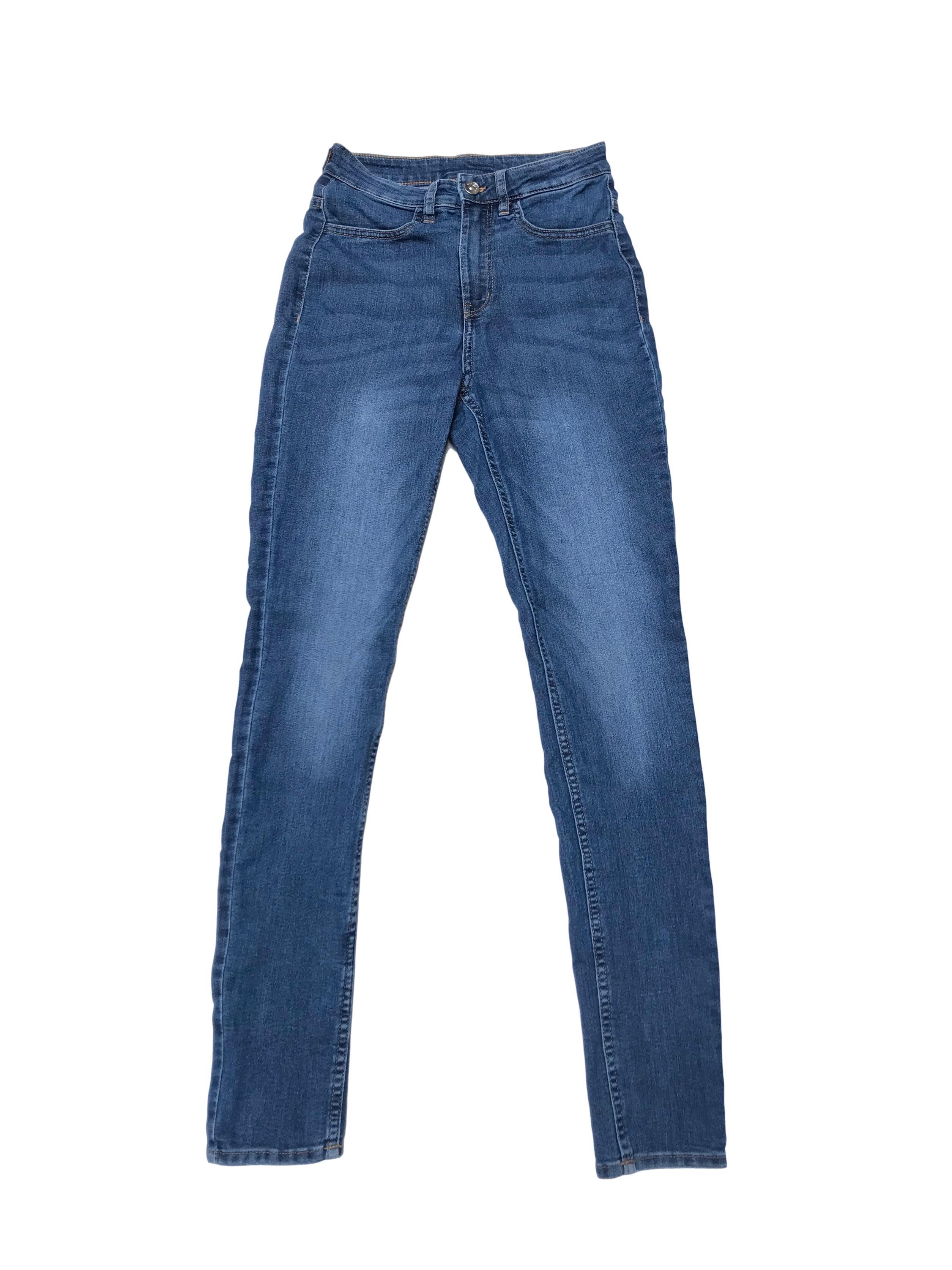Jegging H&M a la cintura, de jean 80% algodón stretch con cierre y botón delantero, y bolsillos atrás. Cintura 63cm sin estirar