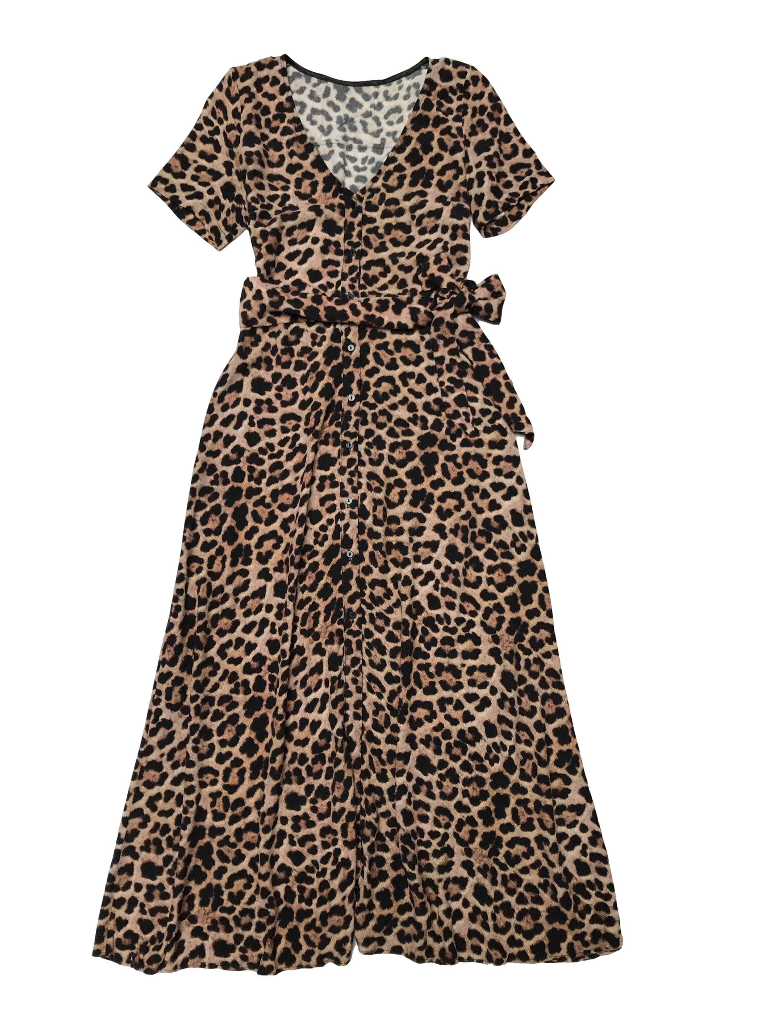 Vestido Zara animal print de crepé con botnes delanteros y cinto para amarrar.  Largo 130cm