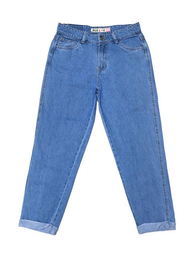 Mom jean con dobladillo en la basta. Cintura 72cm Cadera 92cm Largo 84cm foto 1