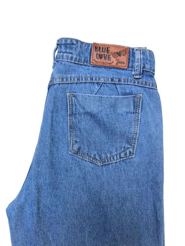 Mom jean con dobladillo en la basta. Cintura 72cm Cadera 92cm Largo 84cm foto 2