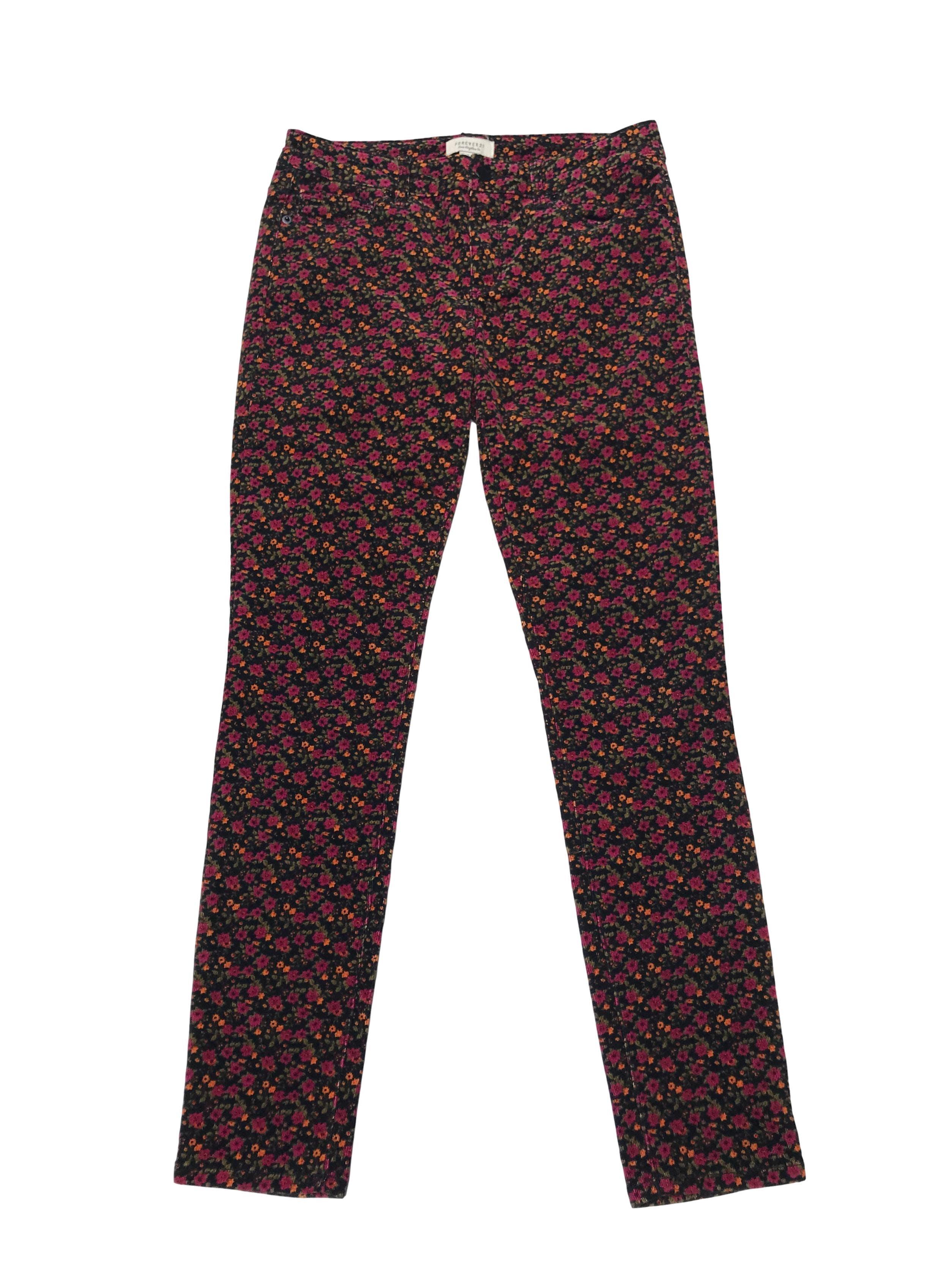 Pantalón Forever21 de corduroy negro con print de flores, tiro medio pretina 74cm