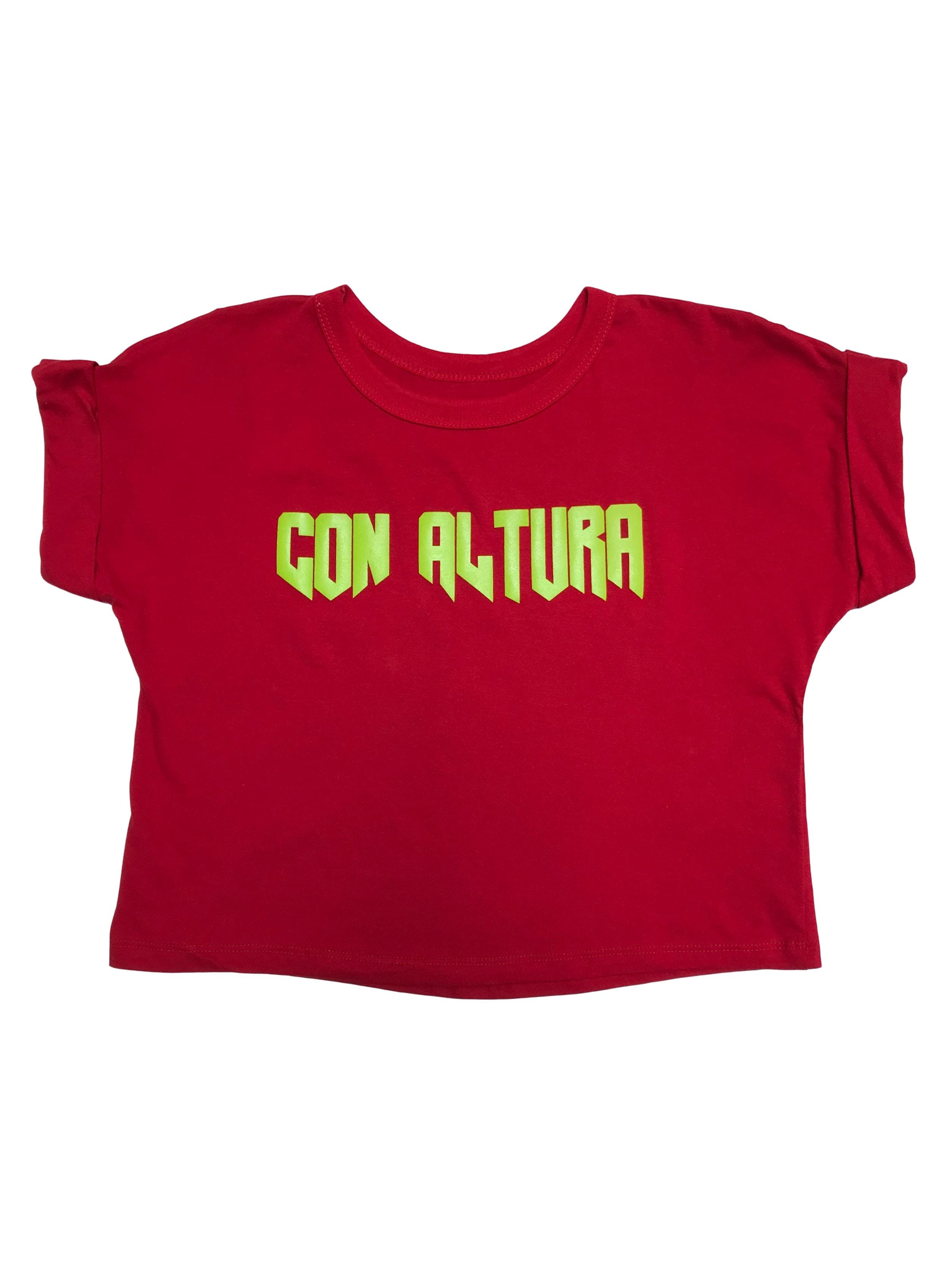 """Polo crop rojo con print """"Con altura"""""""