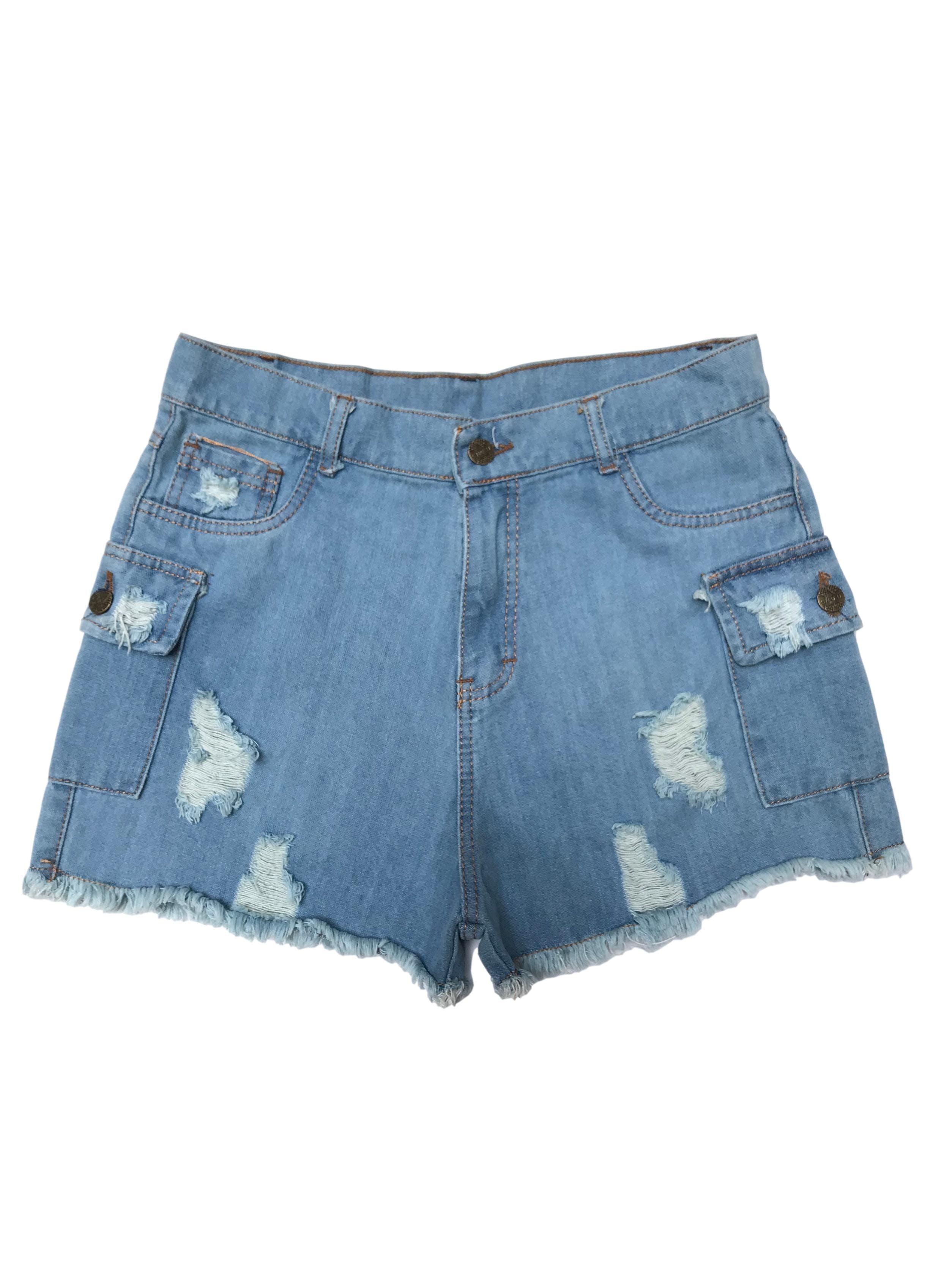 Short jean a la cintura con bolsillos cargo, rasgado y desflecados. Cintura 76cm. Nuevo