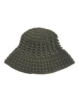 Gorro estilo bucket hat verde tejido a crochet foto 1