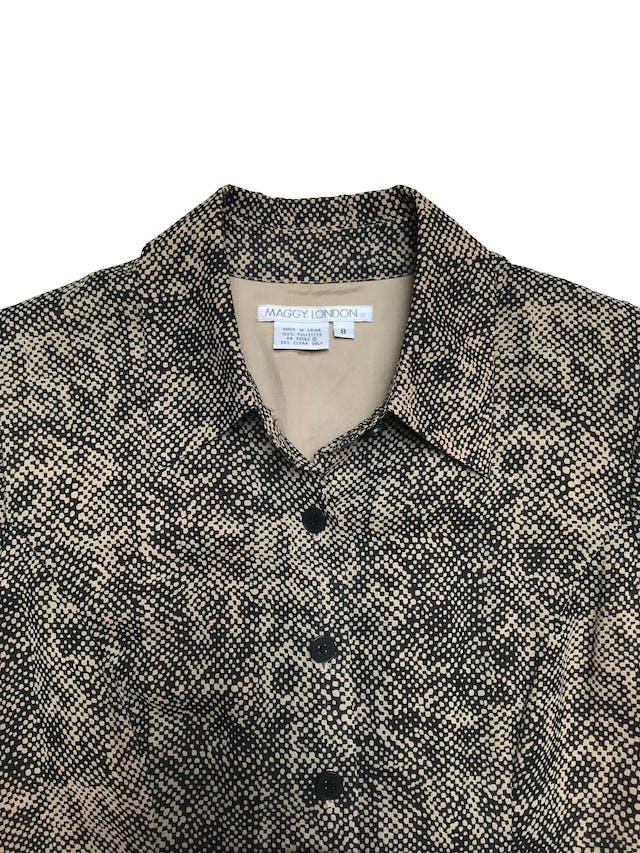 Vestido Maggy London midi, de gasa beige y negra, forrado, con botones a lo largo y falda en A. Hermoso. Busto 100cm Cintura 82cm Largo 112cm foto 2