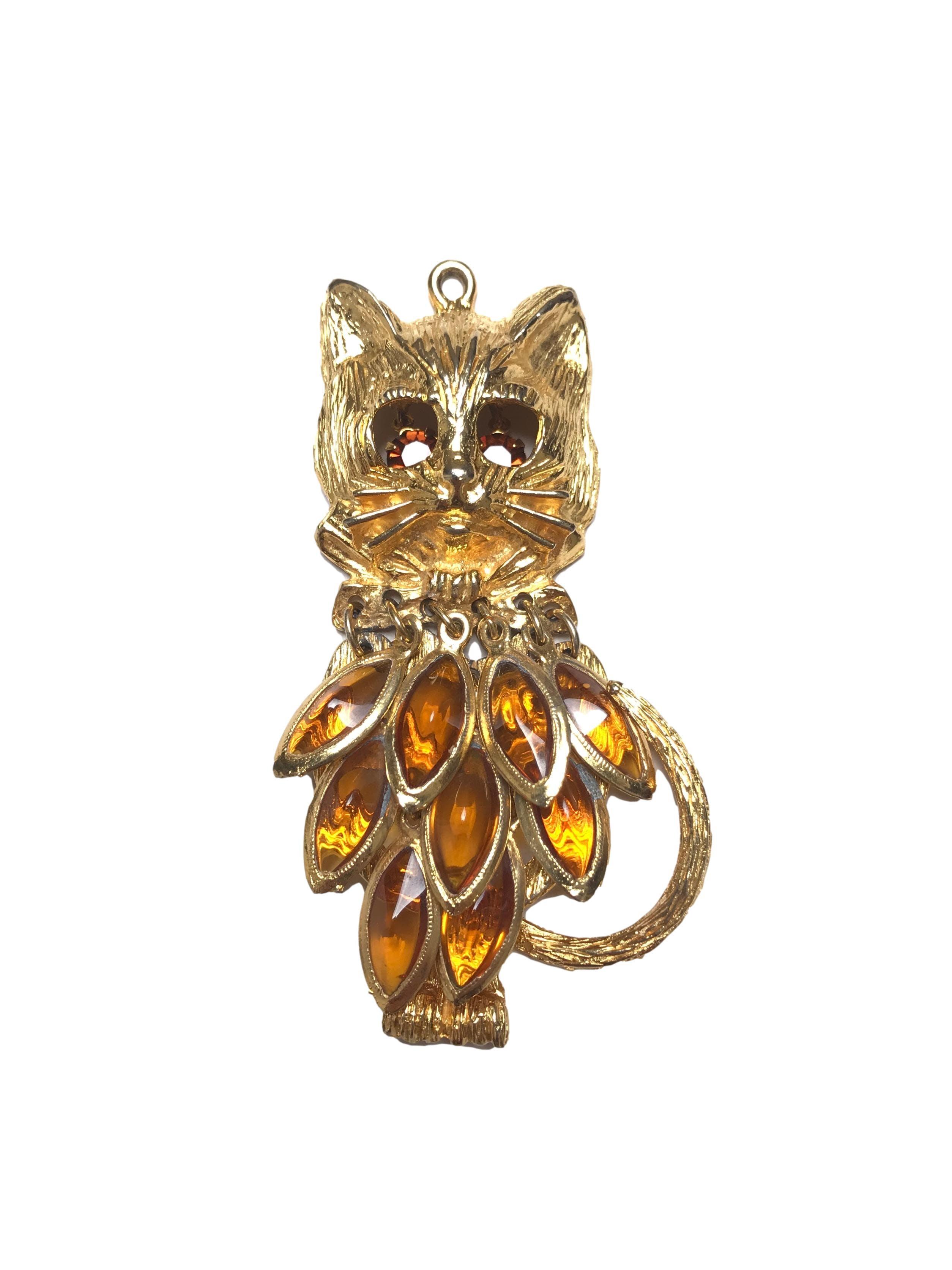 Dije vintage dorado buho/gato con pedrería colgante. Alto 9cm
