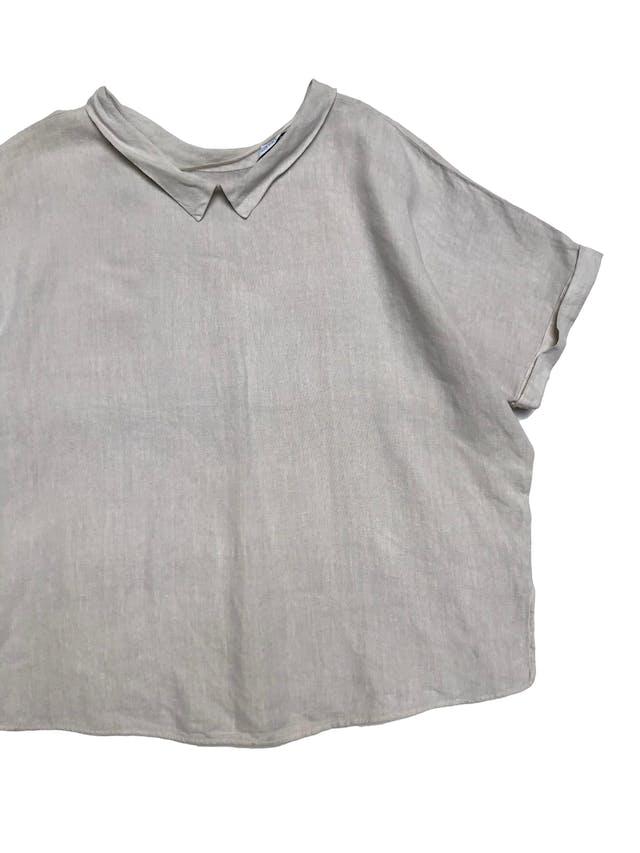 Blusa Zara oversize 100% lino crema con dobladillo en manga y cuello foto 2