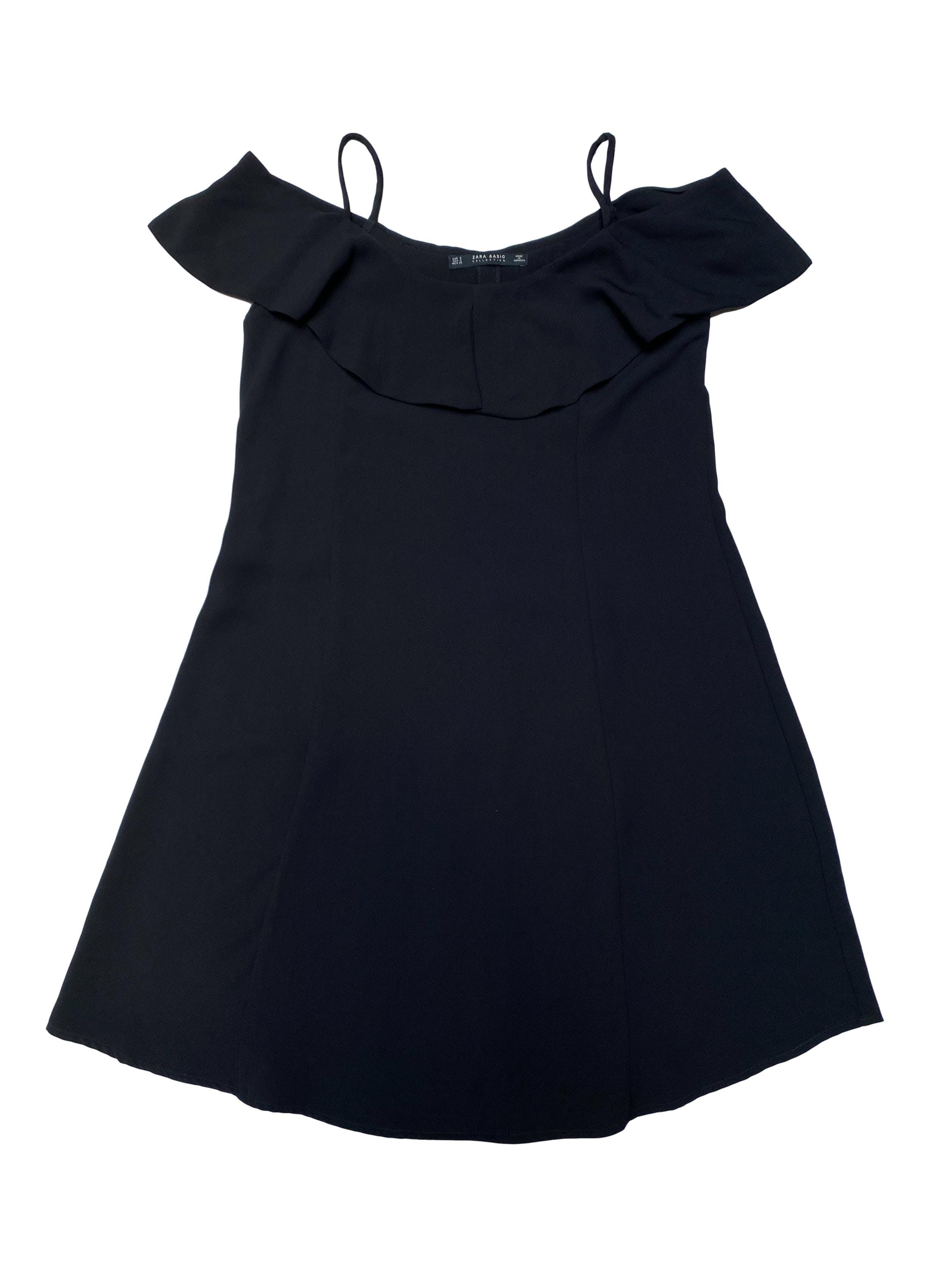 Vestido Zara off shoulder con tiras y volante, tela plana negra y corte en A. Largo 85cm