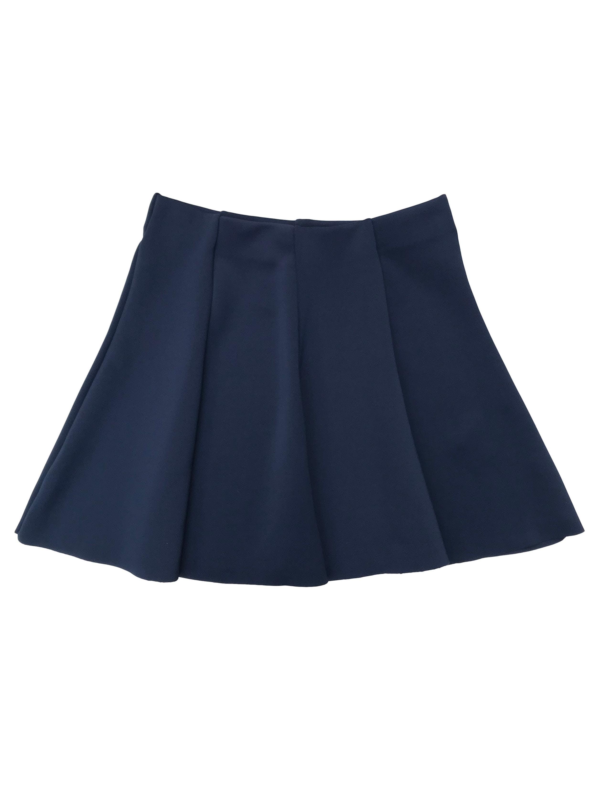 Falda azul tela tipo neopreno, corte campana, con elástico en la cintura. Pretina 68cm (sin estirar) Largo 40cm