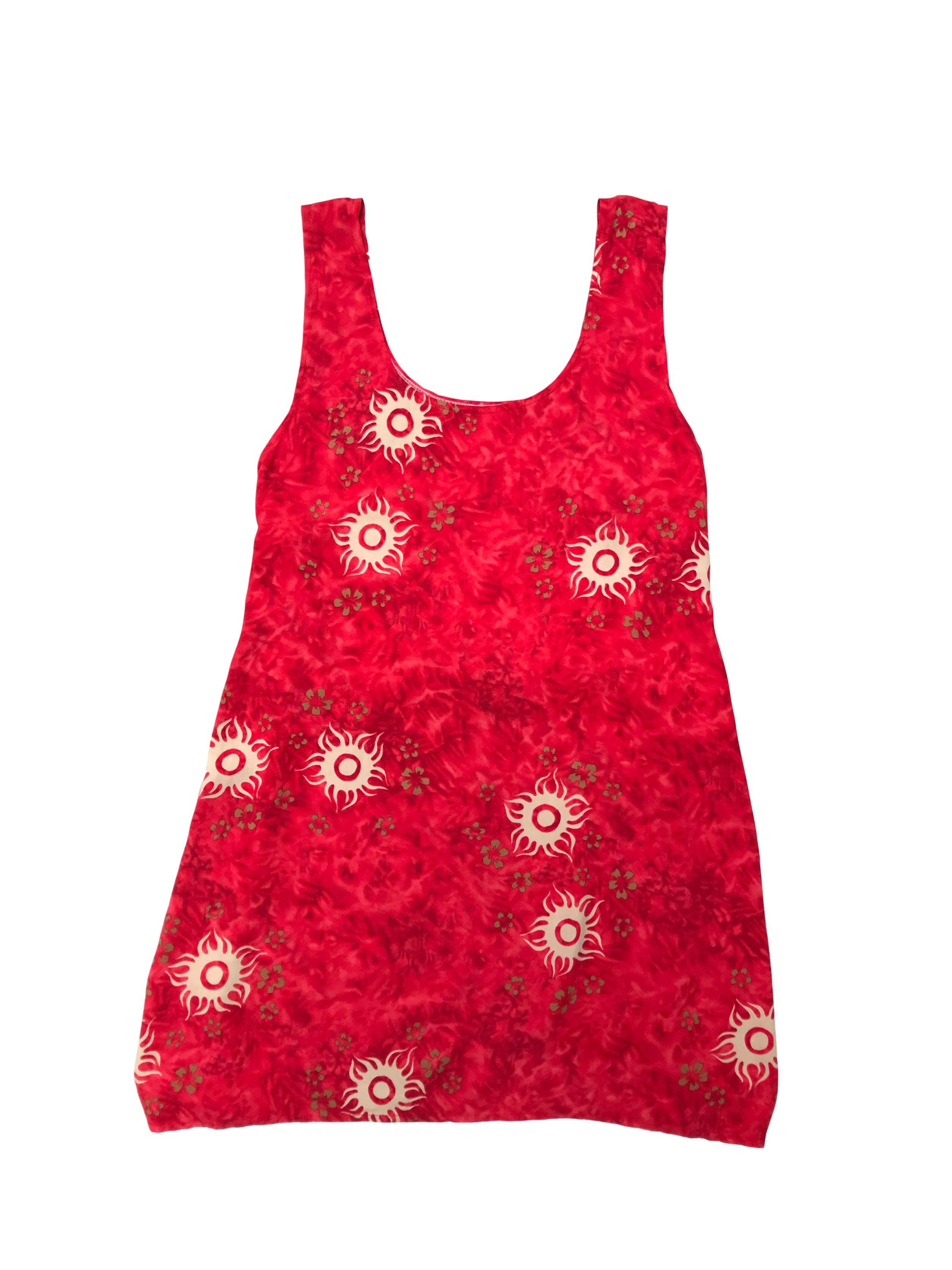 Vestido playero rojo con print de soles, se amarra en la espalda. Tela fresca tipo chalis
