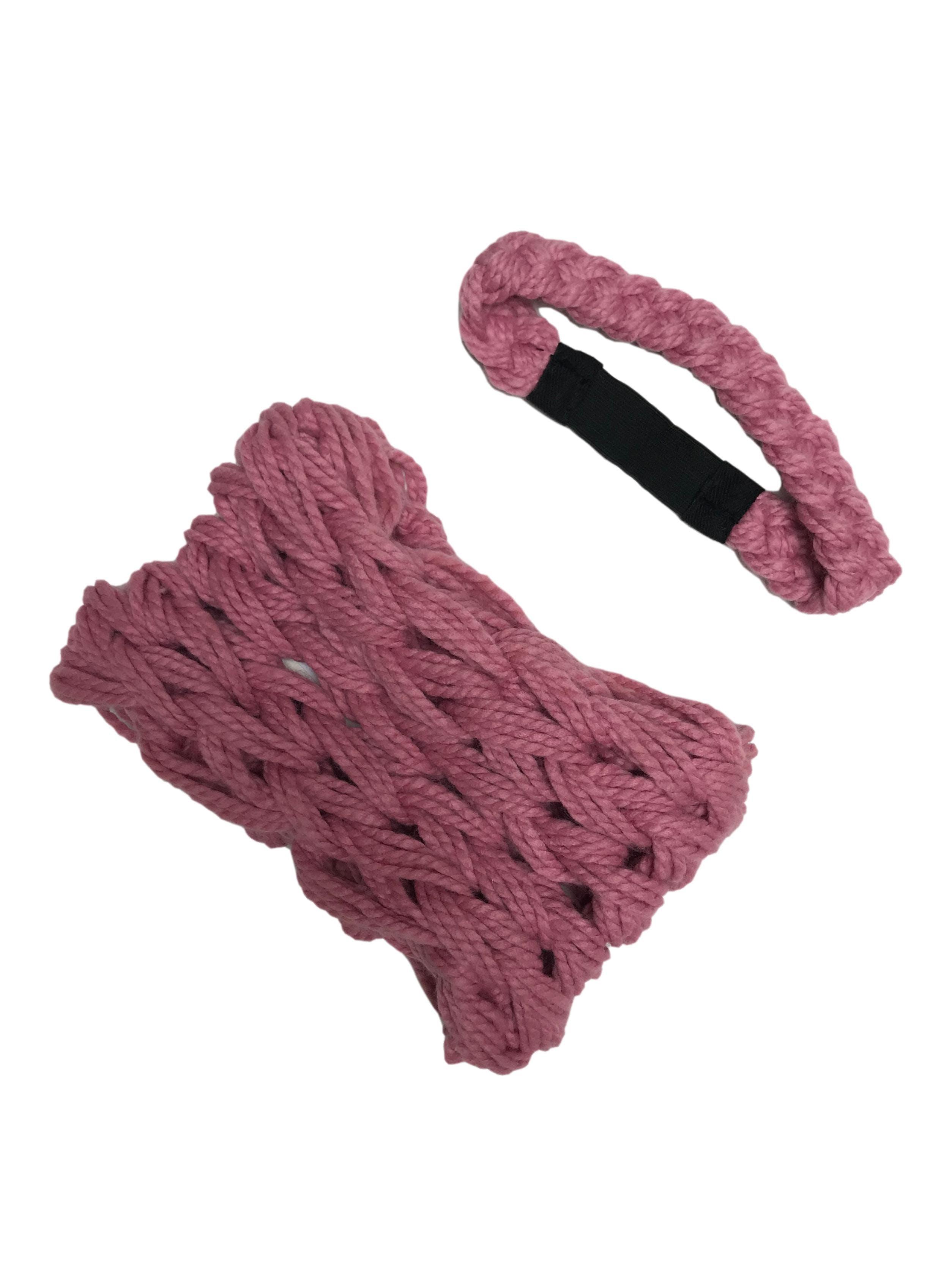 Set de vincha y cuello rosa tejidos